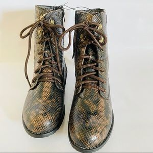 Snake skin Boots cute ankle boots